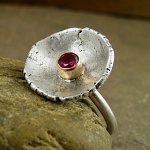 Ring with hot pink lab ruby, 14kt gold & oxidized sterling silver